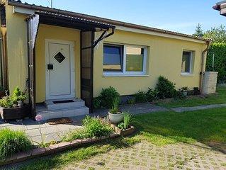 Sonnige ruhige familienfreundliche Ferienwohnung am Strelasund