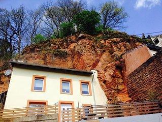 FELSENHAUS mit Blick über Trier - Wohnen im Felsen
