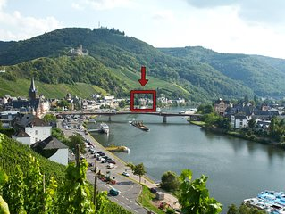 Luxuriös ausgestattete NEUE 5***** Ferienwohnung mit Balkon direkt an der Mosel