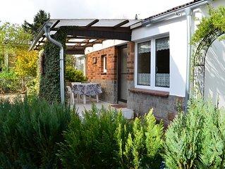 Bungalow in schönem Garten Familien herzlich willkommen