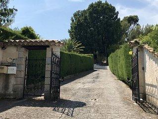 Logement 130 m2 dans Villa Mediterranéenne avec joli jardin