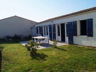 Maison de plain-pied avec terrasse et jardin, à 100M de la plage