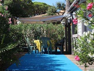 Maison Bois dans parc arborré calme 6 couchages 1 Km des plages 5 Km de St Trope