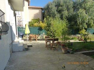 Maison, Rez de jardin, avec terrasse, jardin,   près du centre ville.