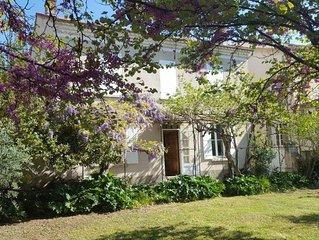 Belle maison ancienne avec jardin au centre de Nyons