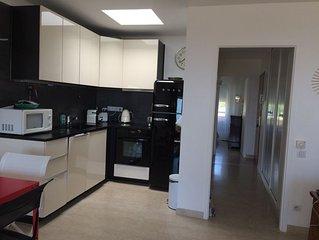 800 M port 200 M plage appartement refait a neuf situe1er etage BELLE RESIDENCE