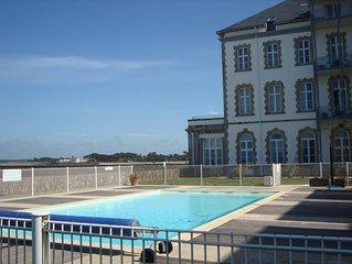 Residence Saint-Gcustan,  piscine et acces direct plage