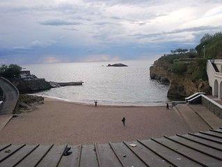 Au ceour de Biarritz,  de ses animations et a 50 metres de la mer