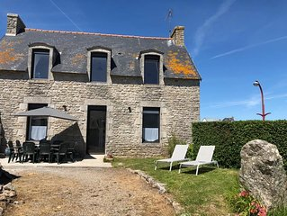 Maison en pierre sur le port de  LESCONIL (VUE MER) 4 ETOILES