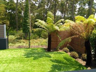 Villa patio climatisee, en rez de jardin paysage, vue foret, a 500m de la plage