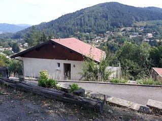 Maison rénovée, calme, vue sur le Ballon d'Alsace, proche des stations de ski