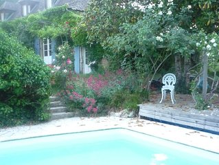 Ancienne maison  de pierre avec piscine sauna /grand jardin/