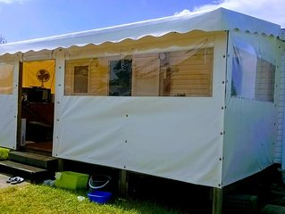 Mobil home tout confort sur jardinet privé 140m2 (camping très calme)