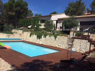 spacious villa & pool in a pine forest in Provence between Luberon  and Alpilles