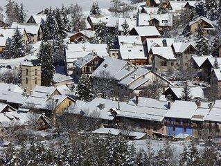 Maison de pays  aux pieds des pistes de ski de fond l'hiver et randonnees l'ete