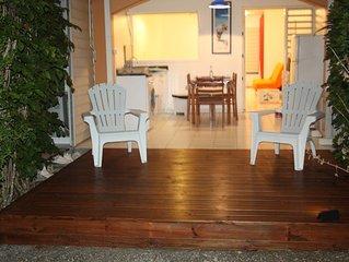 Guadeloupe-Residence calme securisee-30m2-piscine-500m plage raisins clairs