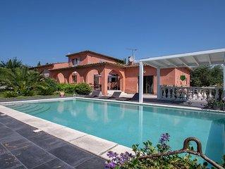 Grande Villa avec piscine a 15 minutes des plages