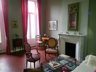 Appartement T4 100 m2 avec  jardin 150 m2 calme bien deservi pres Vieux Port