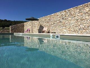 Mas provencal authentique belle vue sur le Luberon