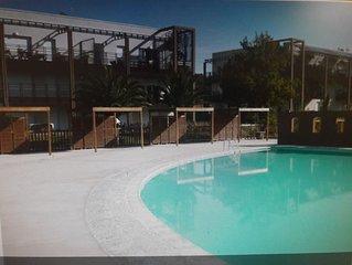 Appartement t2 avec piscine dans residence securisé