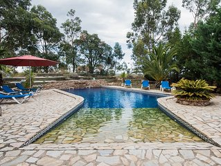 Gîte avec piscine chauffée et vue dominante sur le Canigou. Cure Thermale