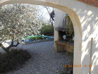Villa paisible avec piscine à quelques km d'Uzes en bordure d'un village gardois
