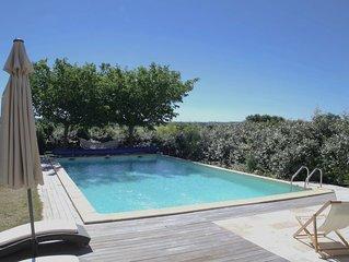 Gîte de luxe dans domaine viticole à Uzès, piscine chauffée, très grand jardin