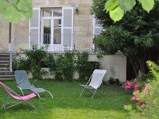 Bordeaux proche du centre, maison spacieuse, très lumineuse, avec jardin