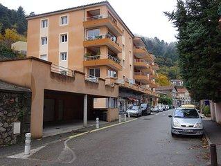 En plein coeur de vals appartement T2 dans une résidence récente et calme.
