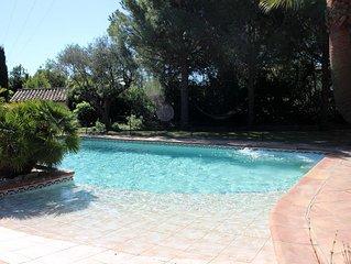 Superbe Bastide provencale de charme,grande piscine, jacuzzi, BBQ, proche plages