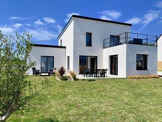 Belle maison contemporaine neuve 3 chambres vue mer toit  terrasse plage 750 m