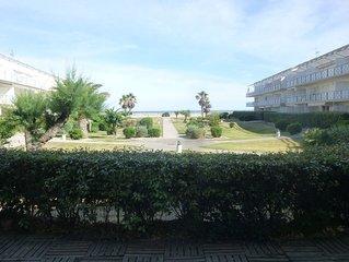 App RDC, front de mer, ensoleille, jardinet bel espace