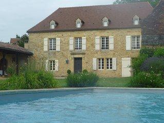 Grande maison de charme avec piscine en Périgord noir