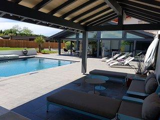 Belle villa, piscine, jacuzzi, plages à 10 minutes sur Anglet:-)