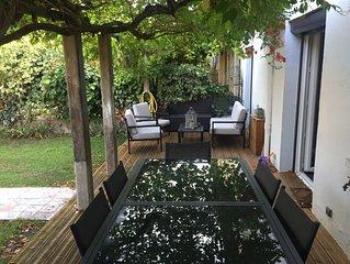 Maison climatisée calme avec Jardin en Ville, 3 chambres, 6 couchages