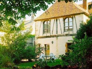 Les ecuries du signe, parc ombrage face au chateau d'Amboise