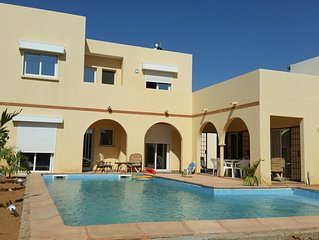 Magnifique Villa Riad avec piscine privée, proche plage, Wifi