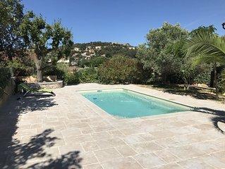 Belle villa de caractère avec piscine, proche des plages.