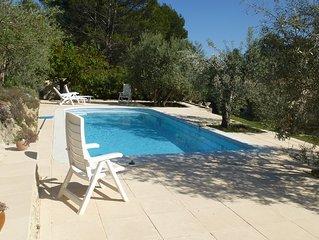 Location maison avec piscine privée Flayosc sur terrain d'oliviers