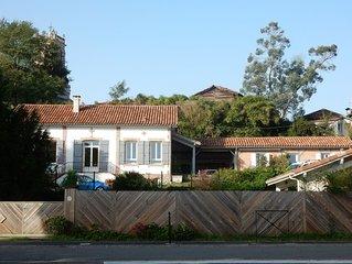 Petite maison de charme entierement renovee, au coeur d'un joli village.
