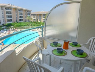 STUDIO 2 adultes/2 enfants/PARKING/PISCINE /PORT FREJUS/Proche Mer et Base Natur