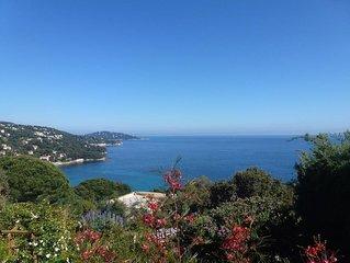 T2 climatise  superbe vue mer, dans villa independante calme   & plages a pied
