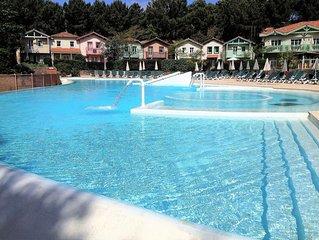 Villa pour 6 personnes dans résidence avec piscine chauffée