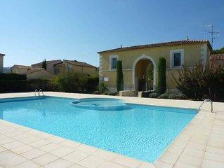 La villa d'Agathe au coeur de la Provence dans résidence avec piscine. Vaison