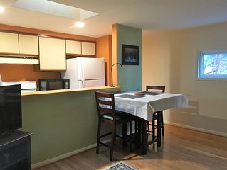 Charming Apartment in a historical Bolton Hill w/ Patio +Parking
