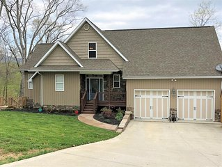 The Good Place-Sleeps 18 - Brand New to Market! Minutes from I-75!