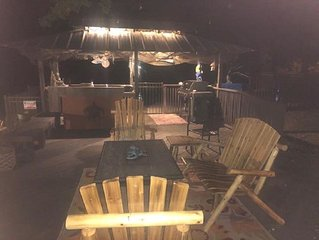 ***POOL***HOT TUB*FIRE PIT*Trout fishing, outdoor kitchen***RESORT***