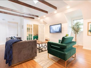 New Top Floor Apt in Victorian - 5 min to Downtown and 40 min to Ark Encounter!