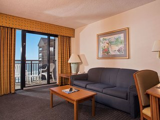 Oceanfront 1 Bedroom Suite w/ Amazing View + Official On-Site Rental Privileges