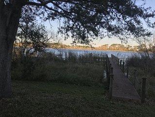 Orlando/Sanford Lake-front home near SFB Airport